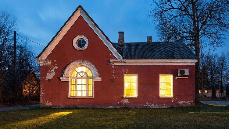 Svetlana Remelgas: New Reality of Old Railway Stations